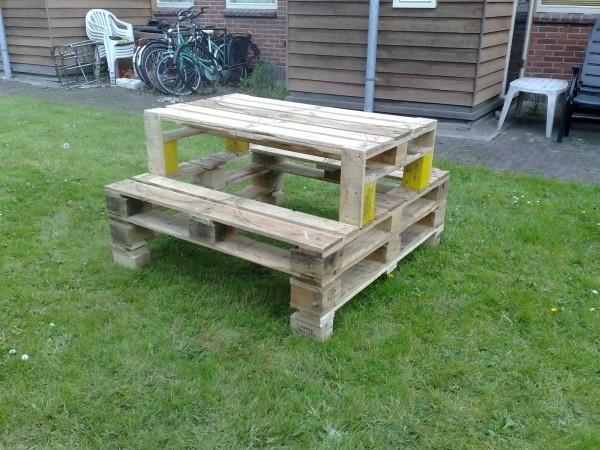 Table de jardin en palette