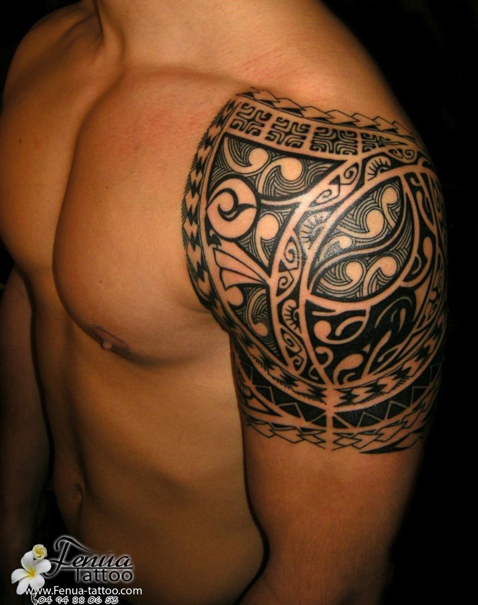 Modele tatouage epaule homme