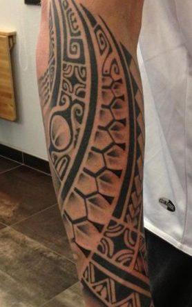 Modele Tatouage Tribal Avant Bras Homme Young Planneur