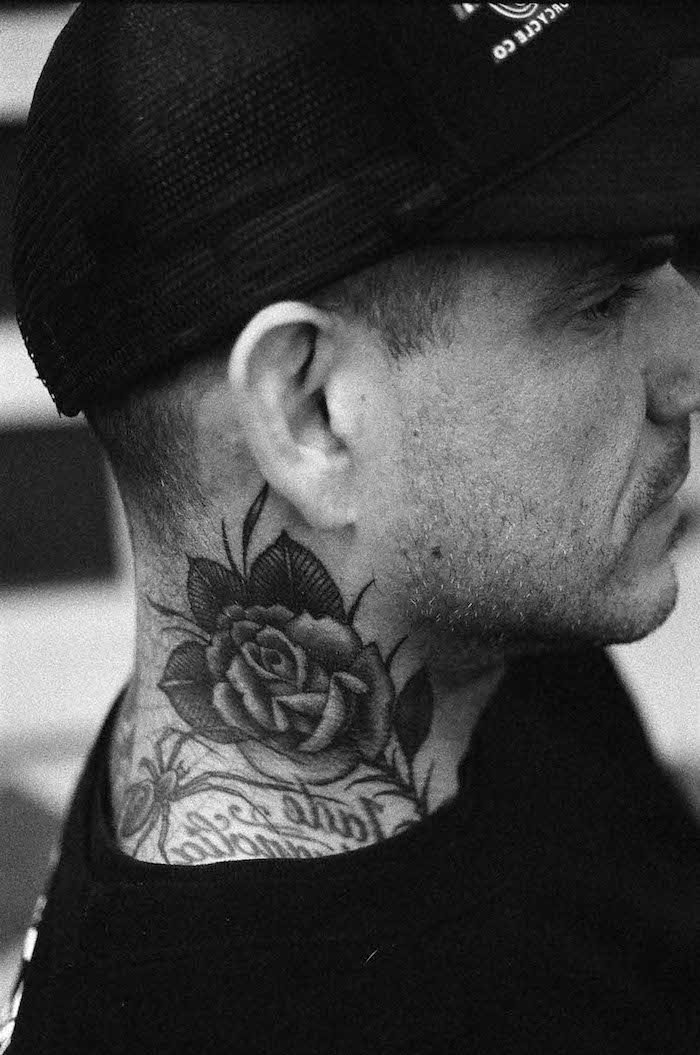 tatouage cou homme rose | www.bilderbeste