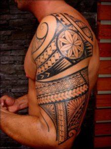 Tatouage bras homme tribal