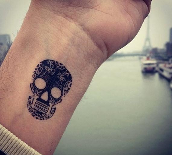 Idée tatouage poignet homme