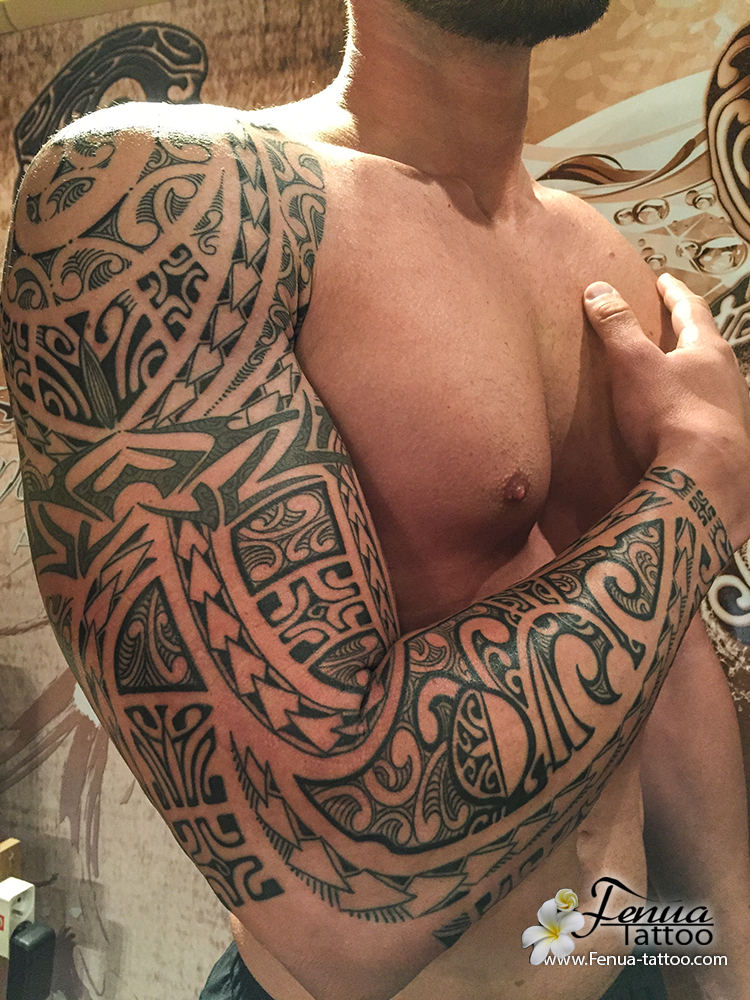 Tatouage tribal bras